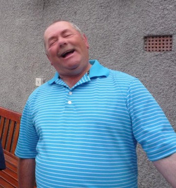 peter laughing